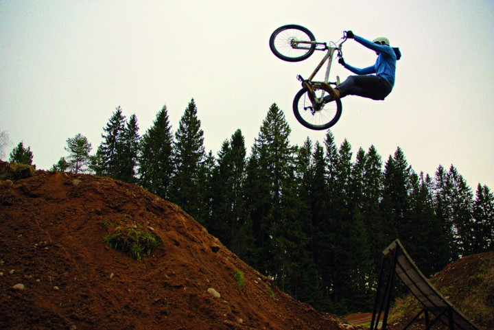 shin-extremsport-downhill